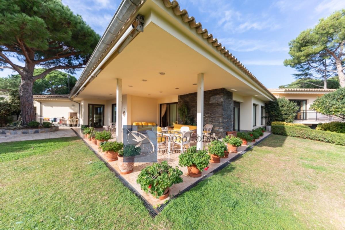 Zu verkaufen von villa in  S agaro