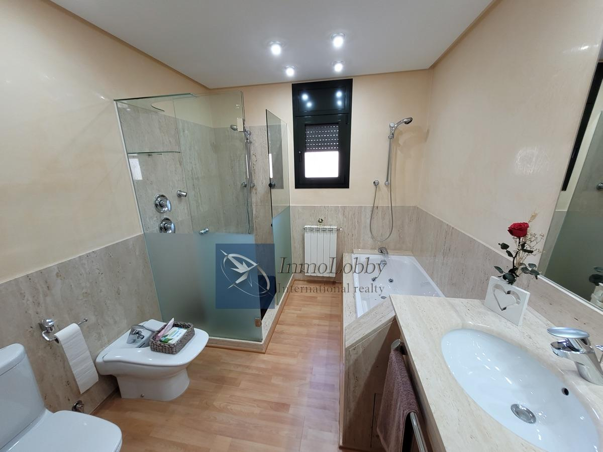 For sale of house in Forallac