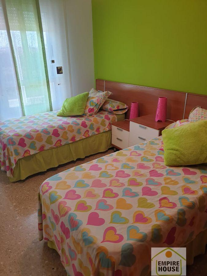 For rent of room in Manises