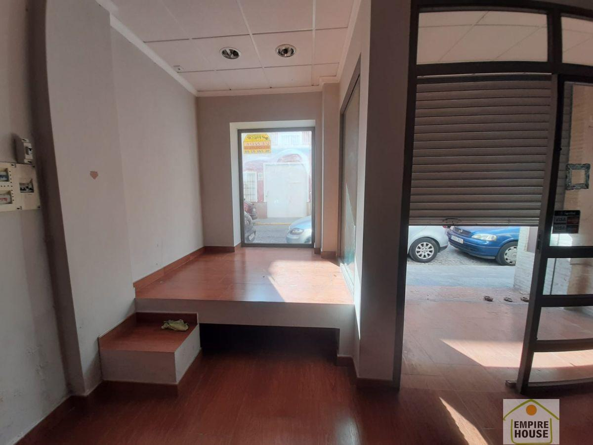 For rent of commercial in Carcaixent