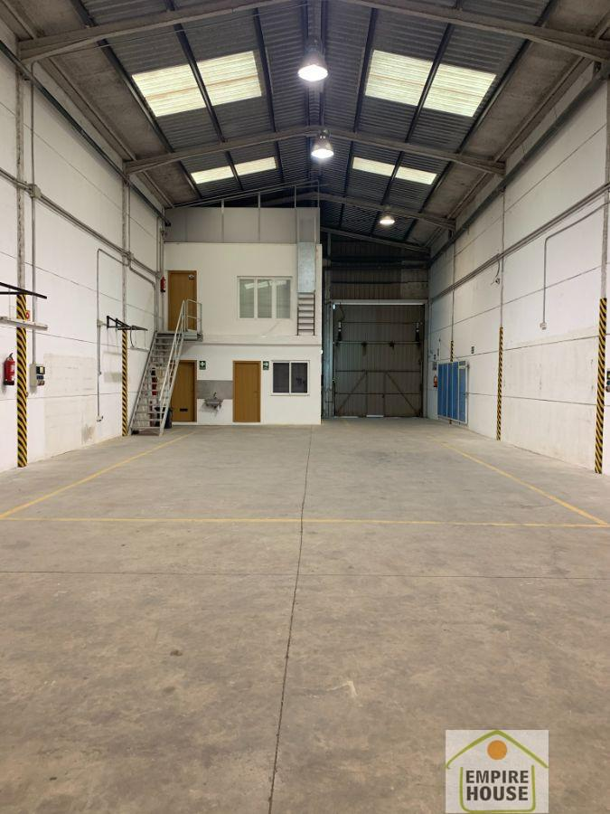 For rent of industrial plant/warehouse in Alzira