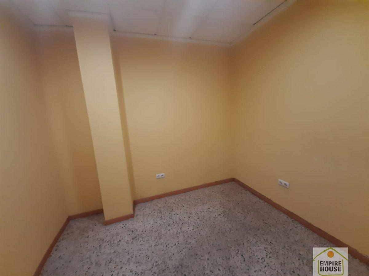 For rent of commercial in Alzira