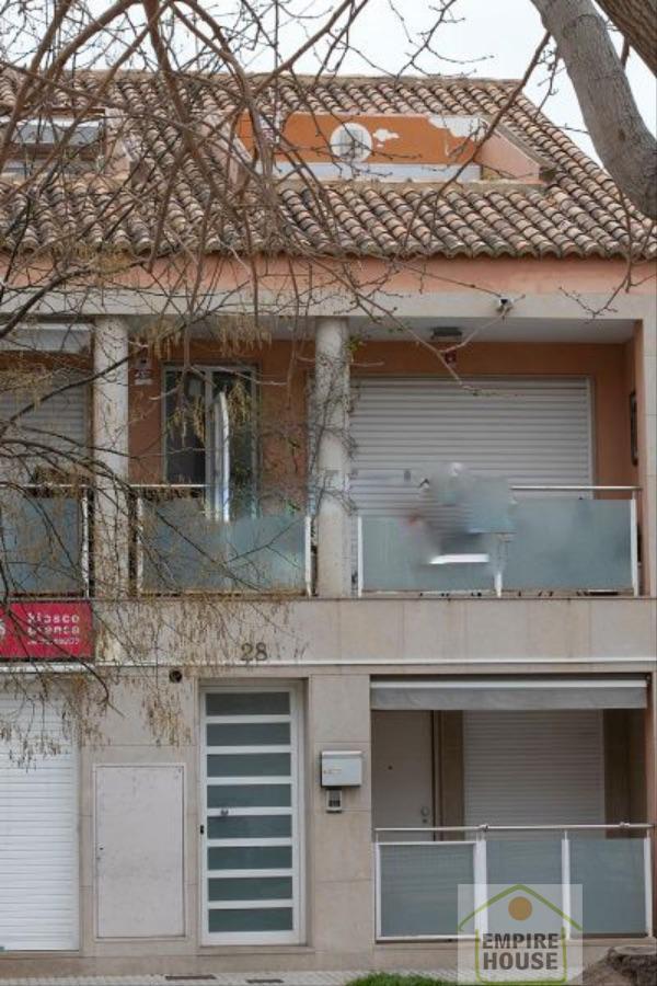 For sale of duplex in Puçol