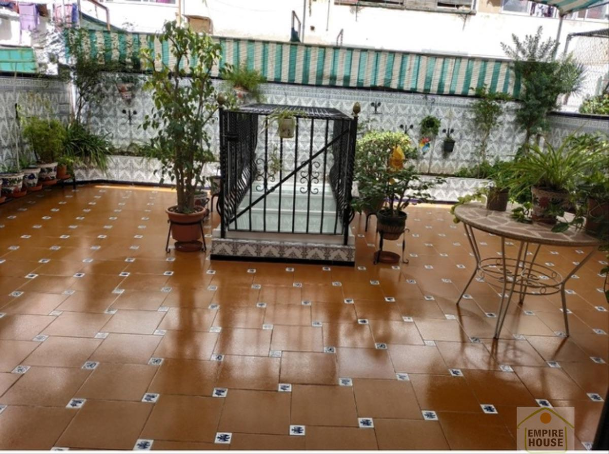For rent of house in Valencia