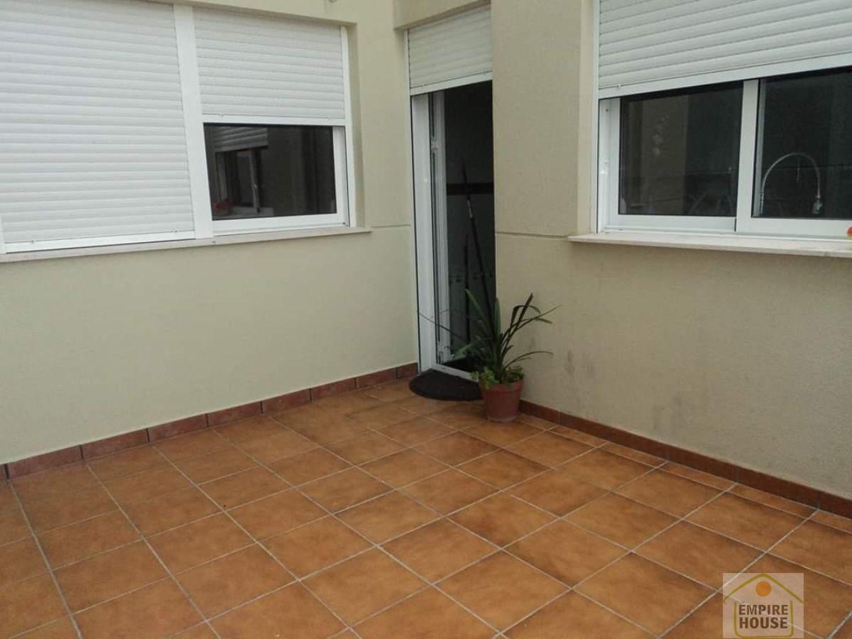 For rent of semidetached in Moncada
