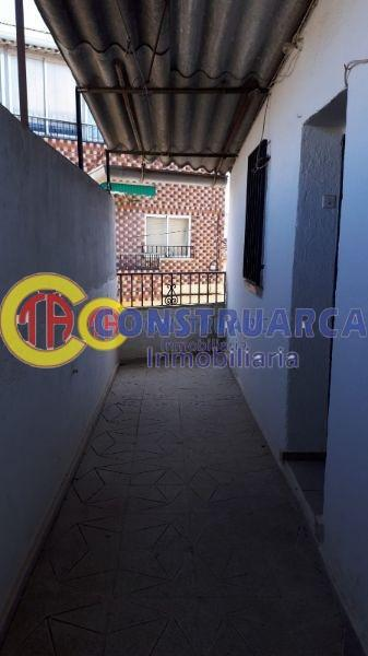 For sale of house in Navalmorales