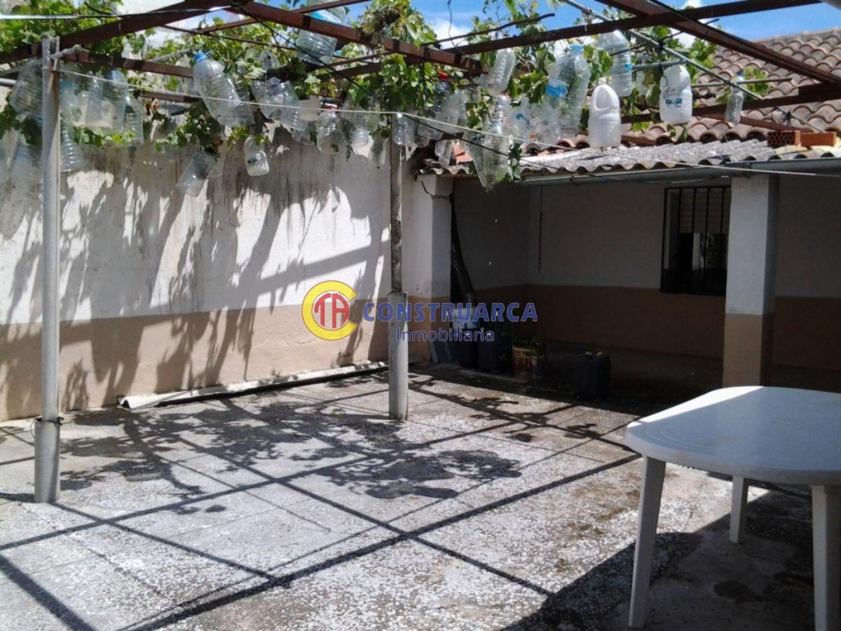 For sale of house in Lucillos