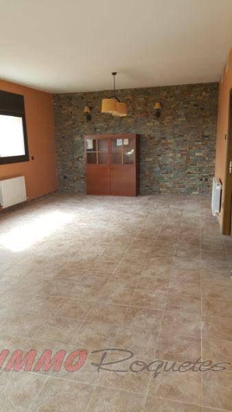For sale of chalet in Canyelles