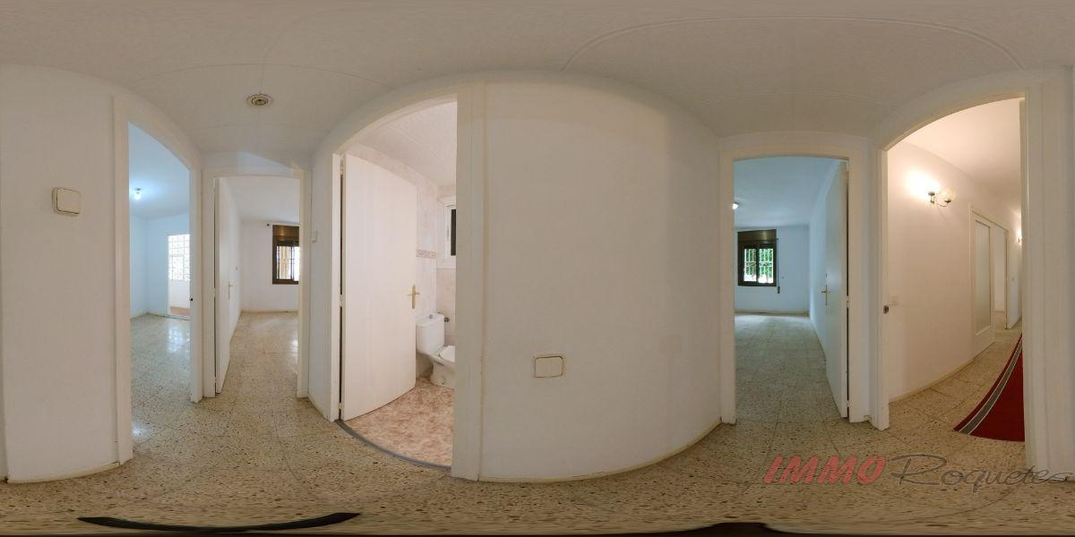 For sale of flat in Les Roquetes