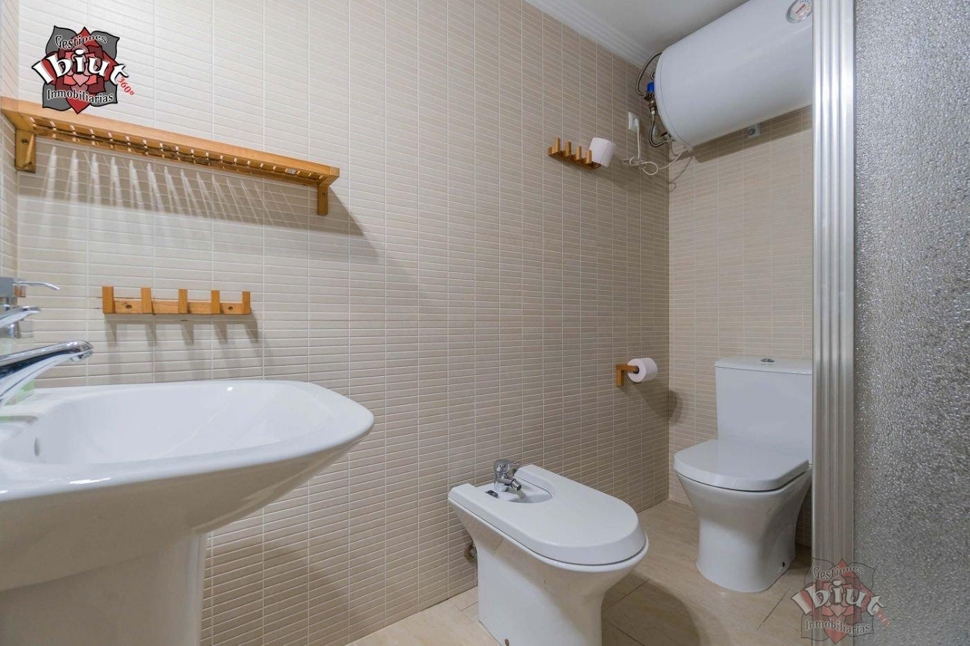 For sale of flat in Canillas de Aceituno