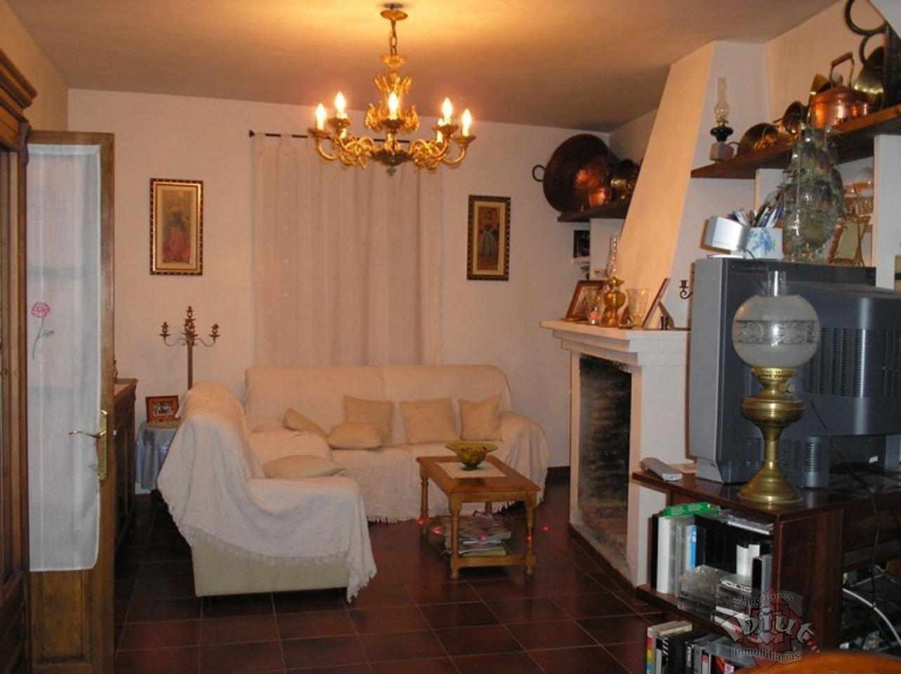 For sale of house in Benamocarra