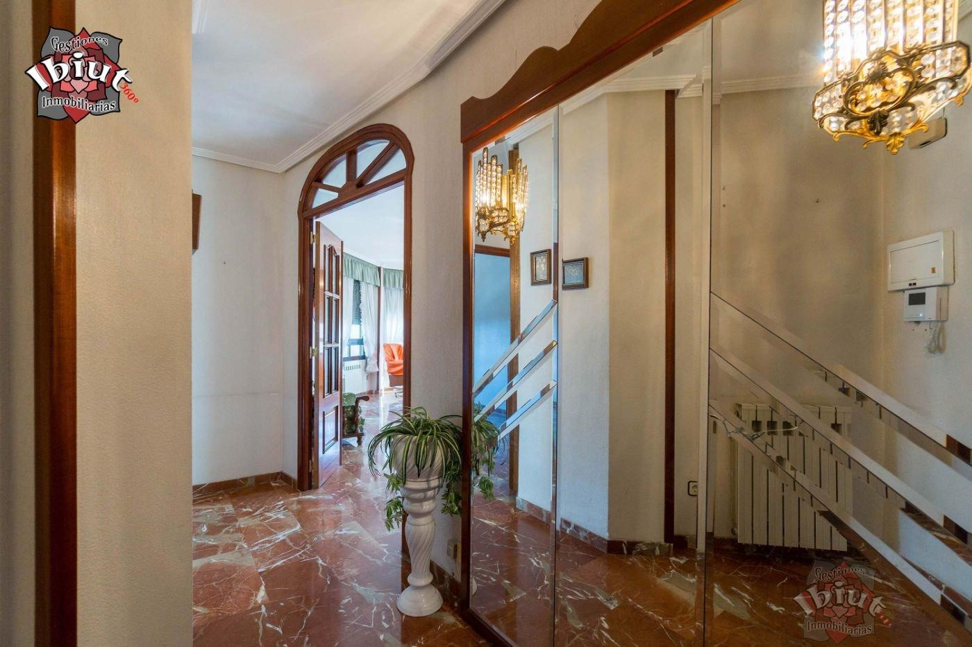 For sale of flat in Úbeda