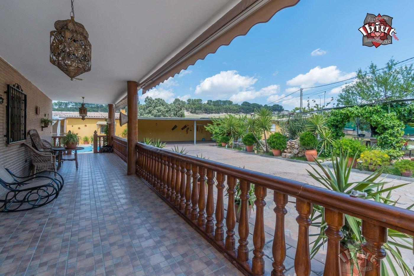 For sale of chalet in Rus