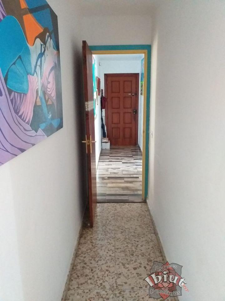 For sale of flat in Mezquitilla