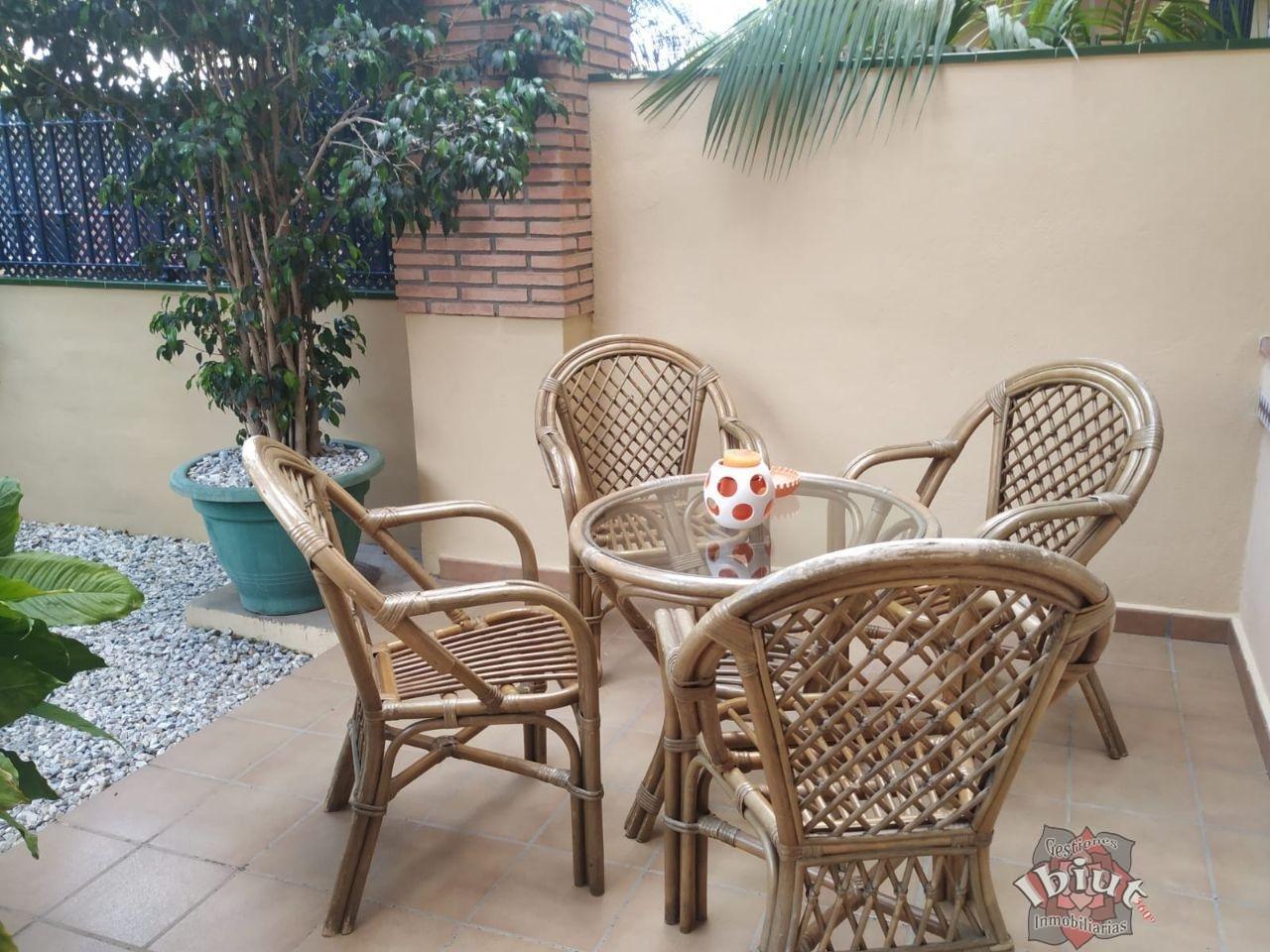 For rent of chalet in Caleta de Vélez