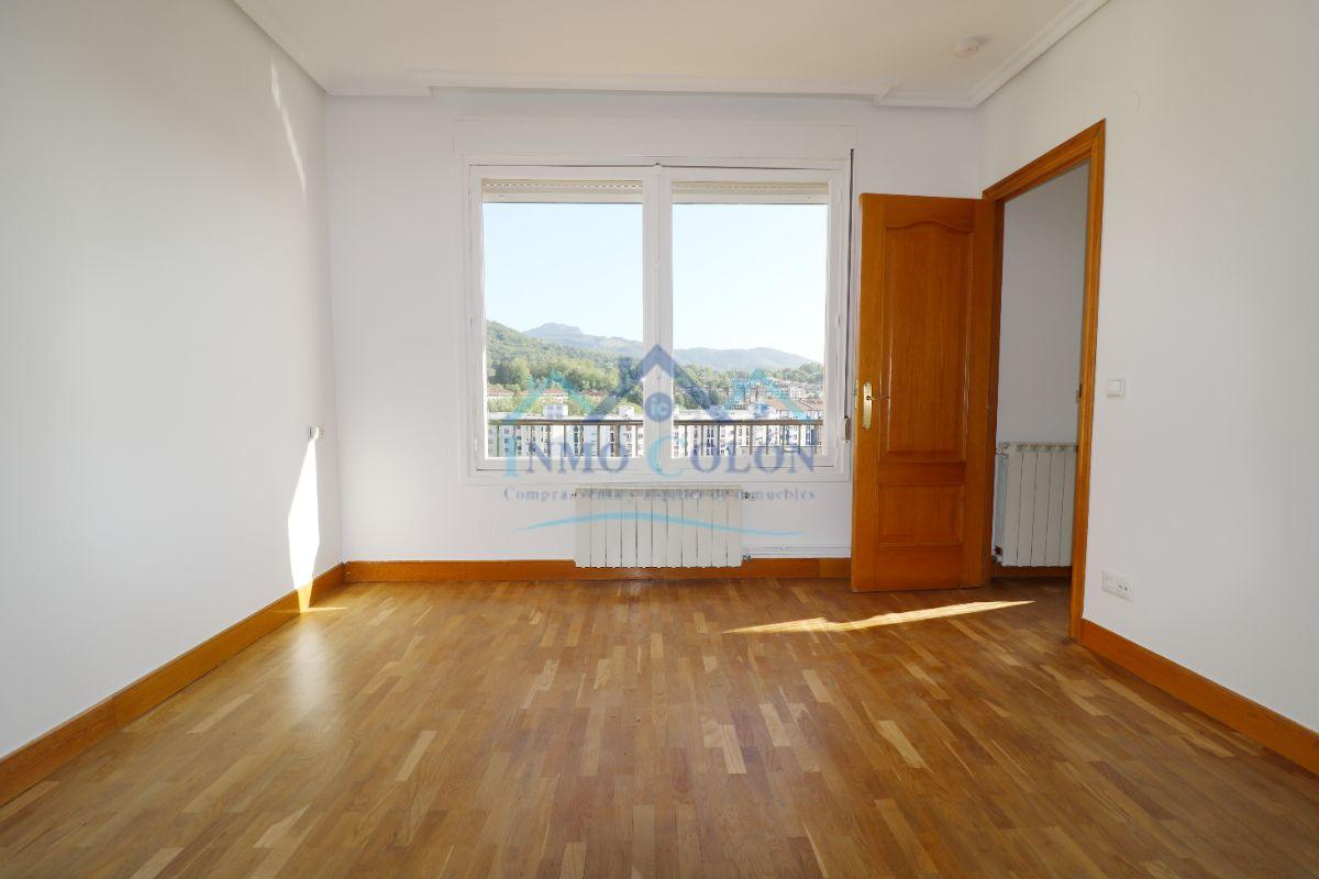 For sale of flat in Hendaya