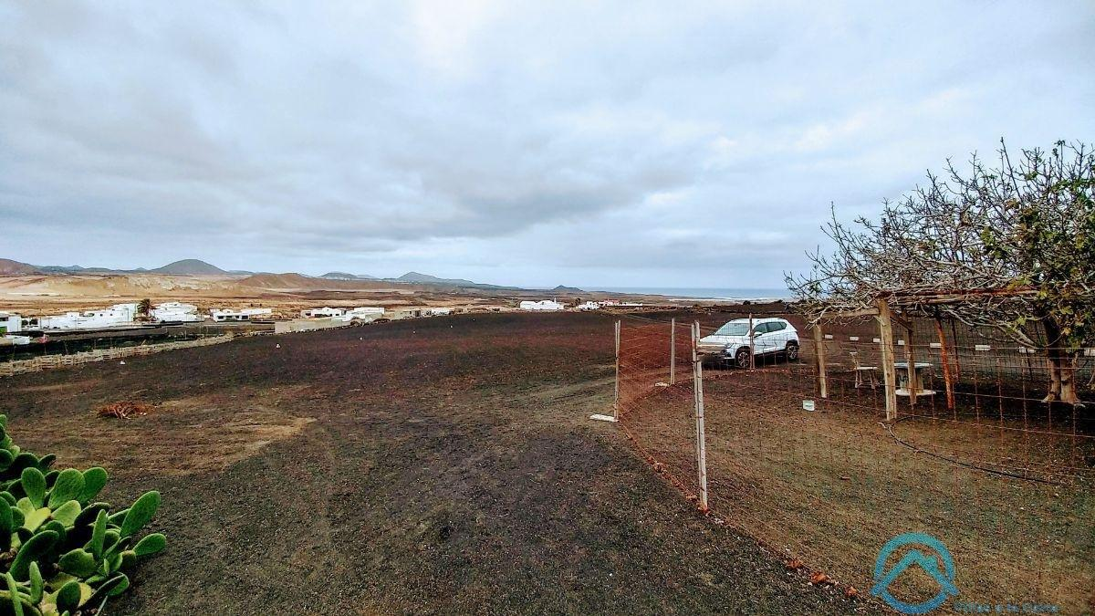 For sale of land in Teguise