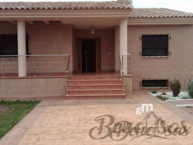 For sale of chalet in Alicante