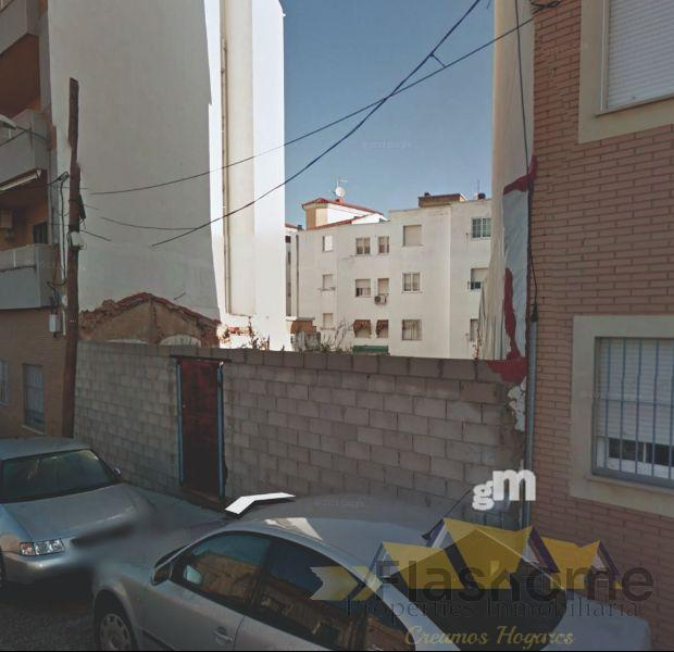 For sale of land in Badajoz