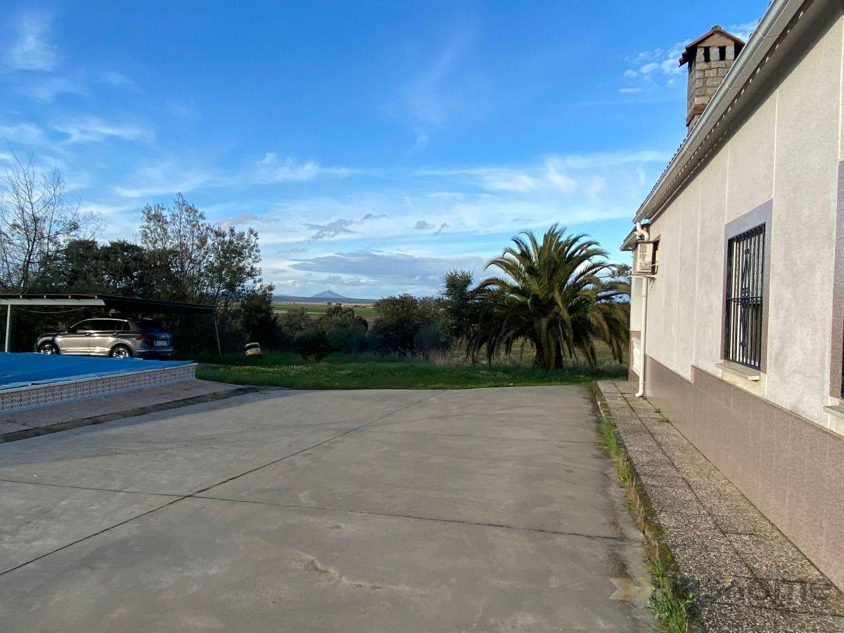 For sale of chalet in Vivares