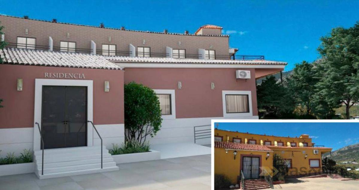For sale of hotel in Hornachos
