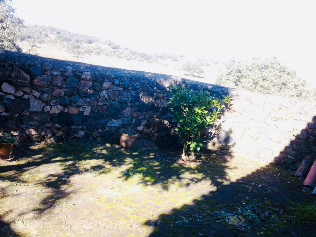 For sale of rural property in Valverde de Burguillos