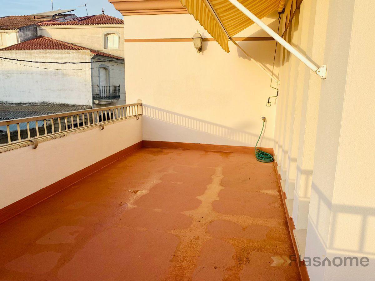 For sale of duplex in Santa Amalia