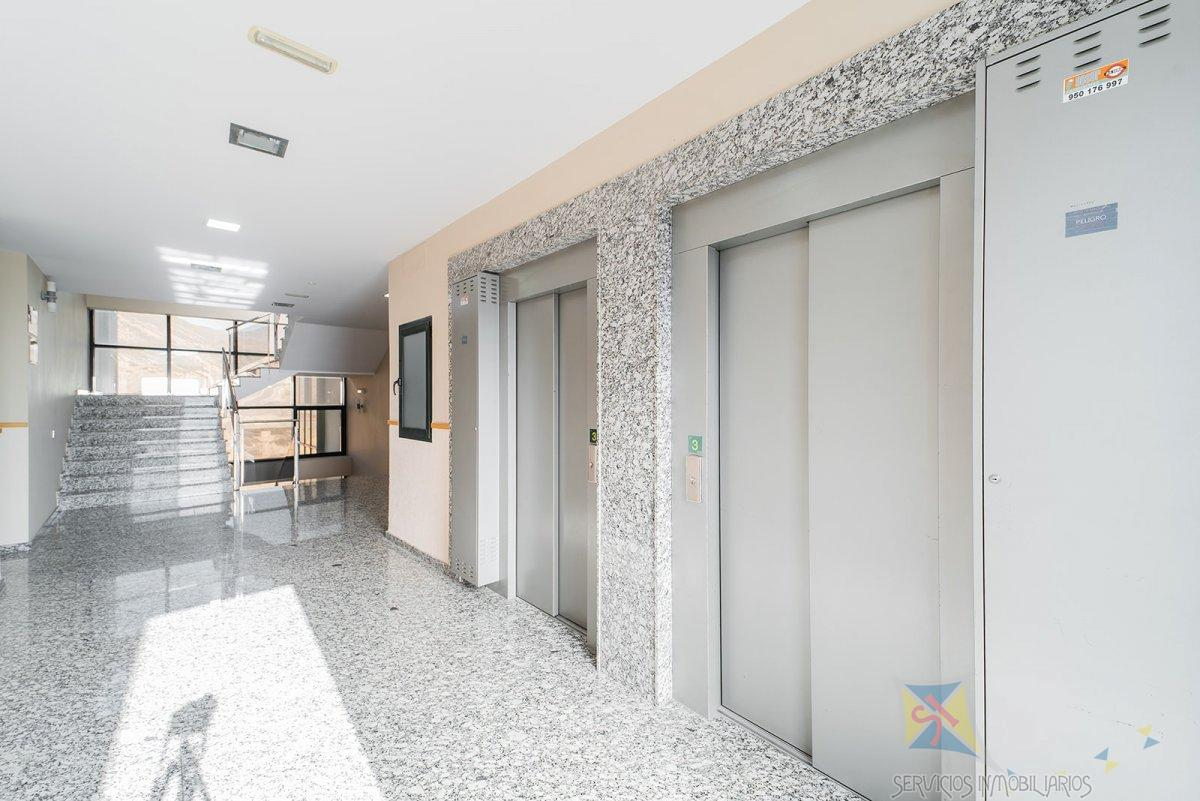For sale of commercial in Aguadulce