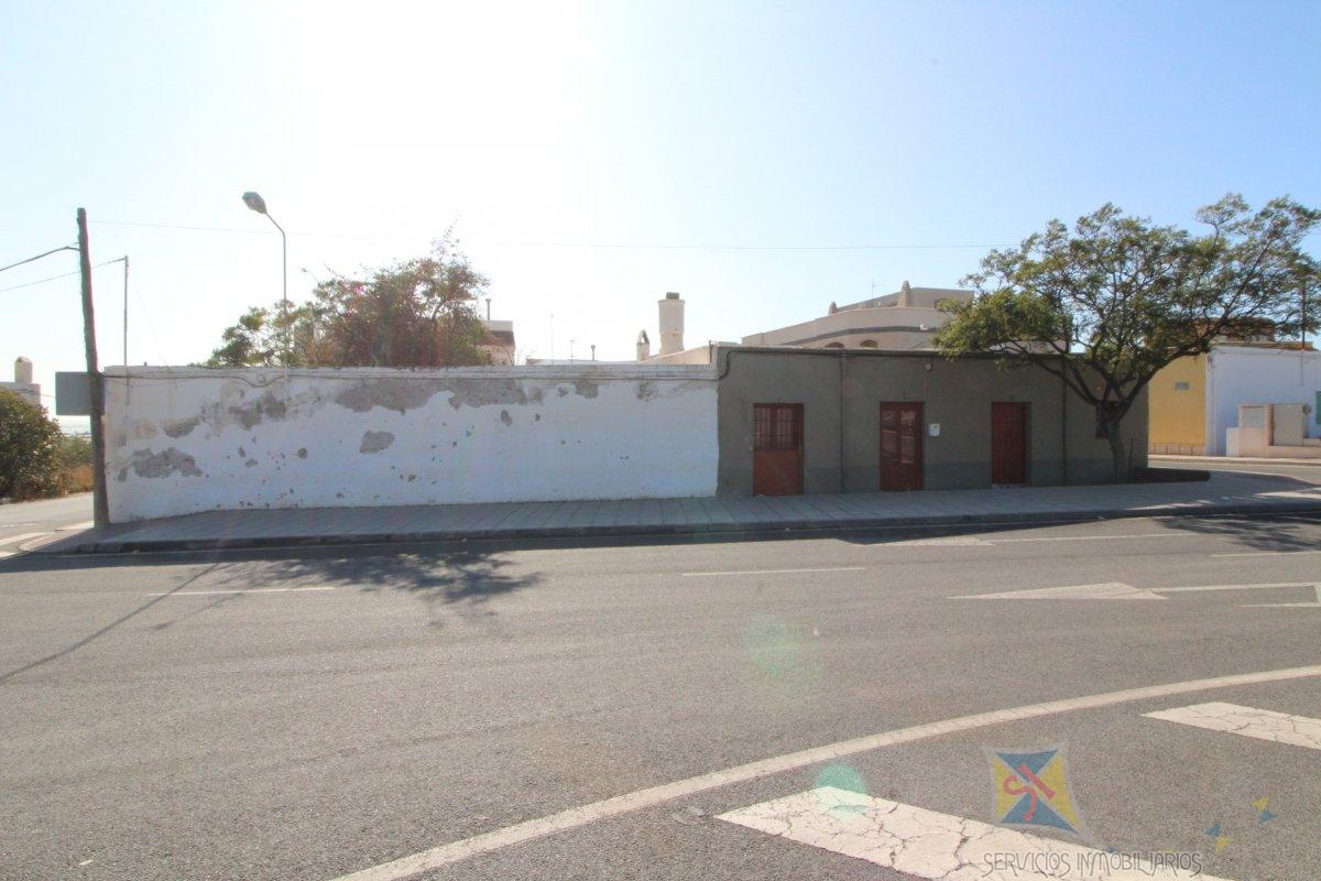 For sale of house in Adra