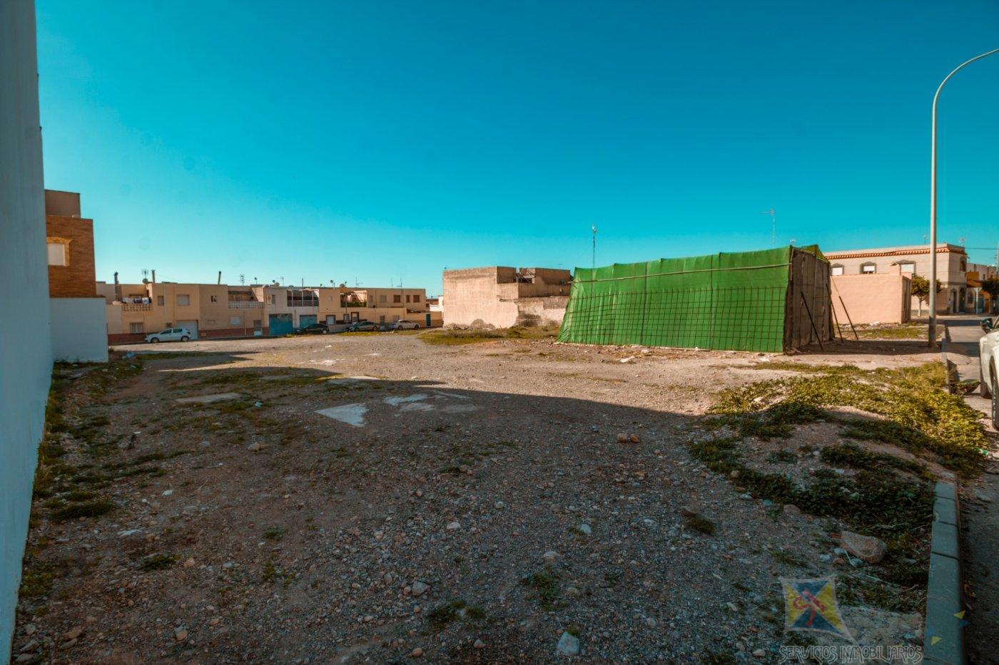 For sale of land in El Viso