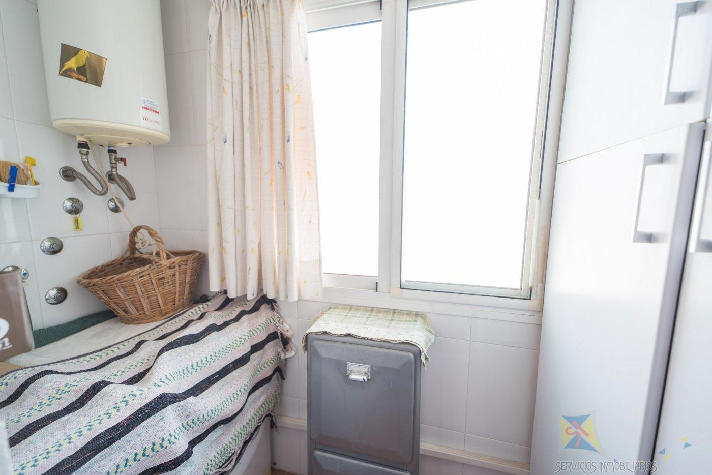 For sale of flat in Vícar