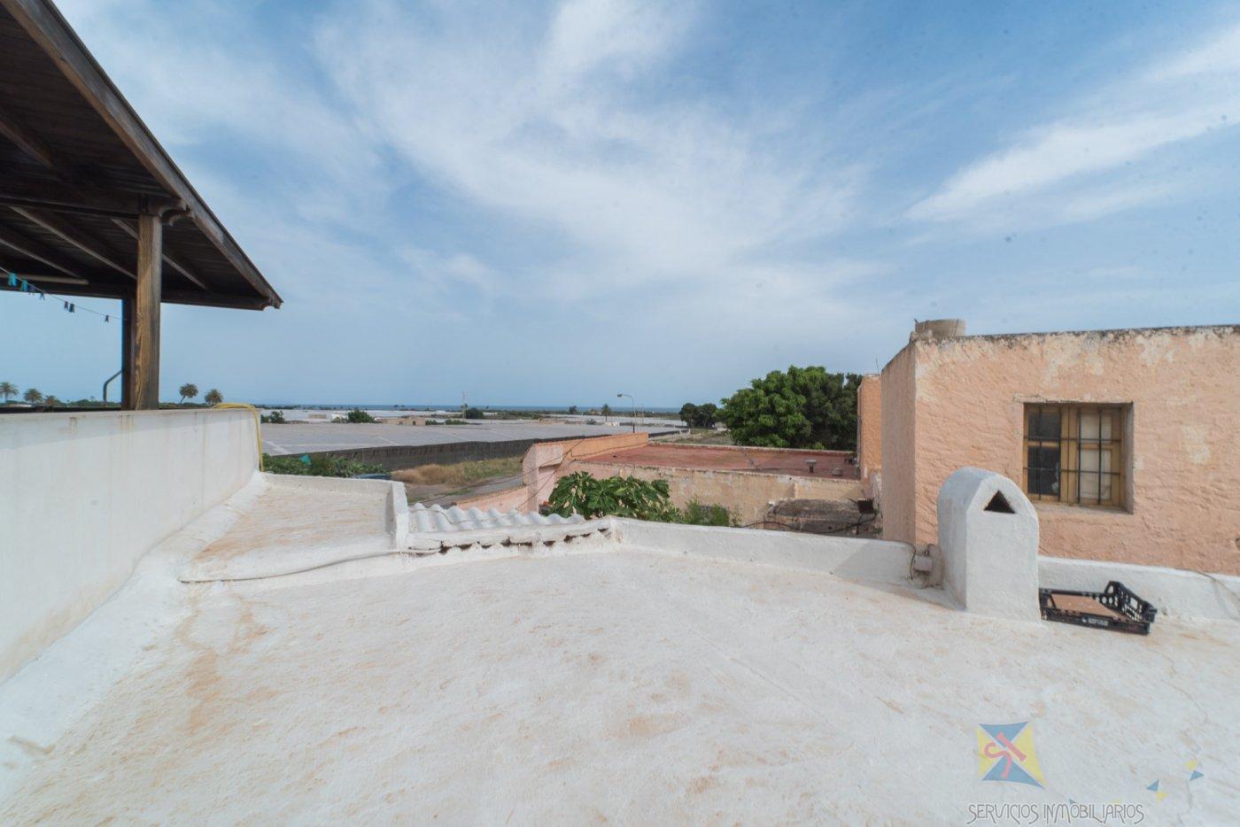 For sale of ground floor in El Parador de las Hortichuelas