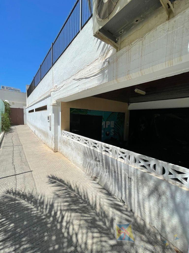 Venta de local comercial en Aguadulce