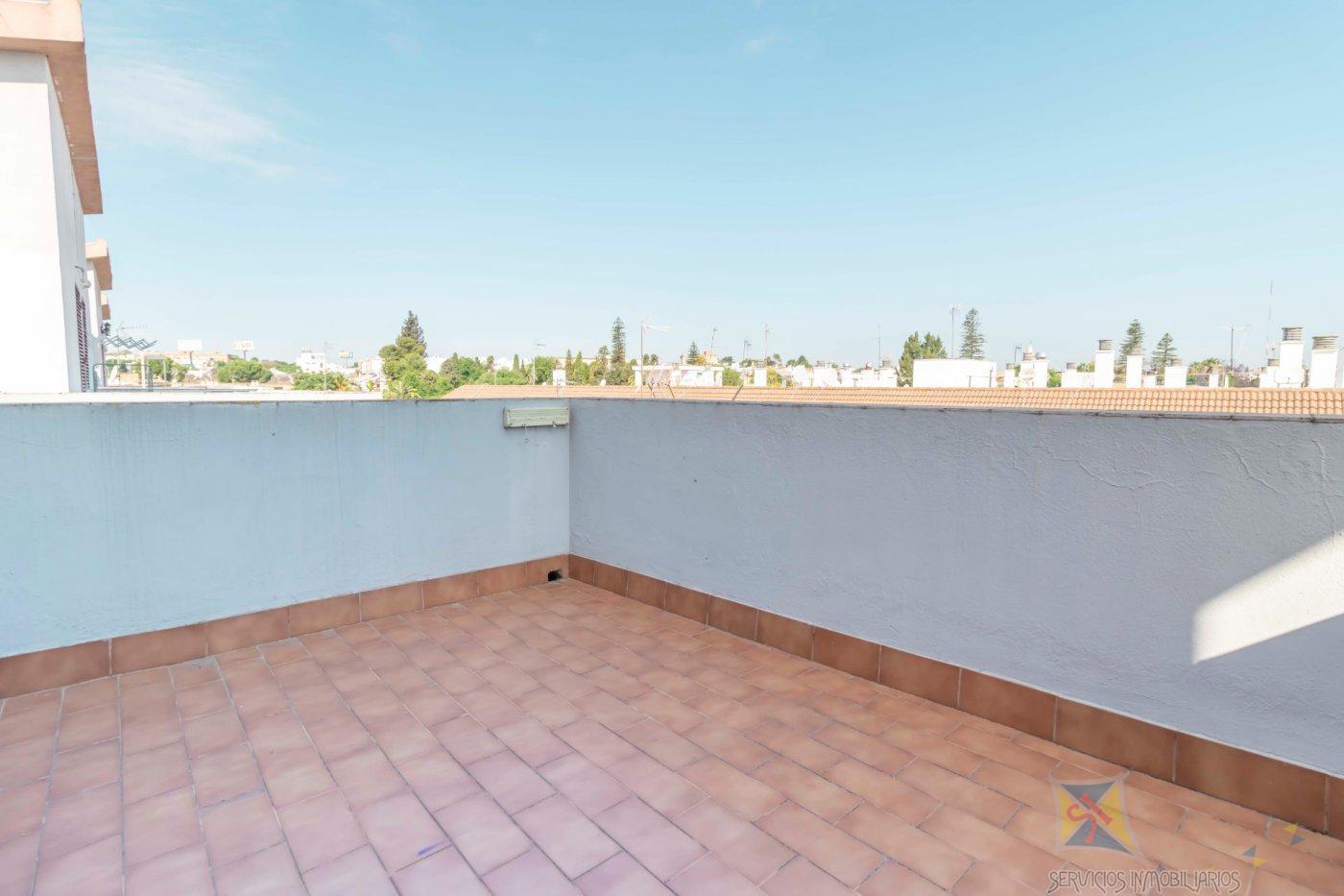 For sale of duplex in Castilleja de la Cuesta
