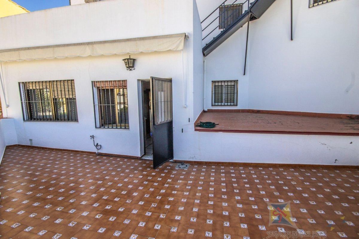 For sale of house in Alcalá de Guadaíra