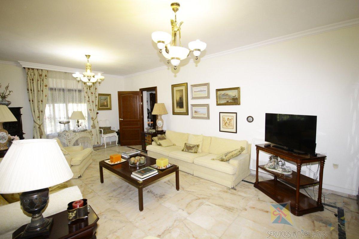 For sale of chalet in Alcalá de Guadaíra