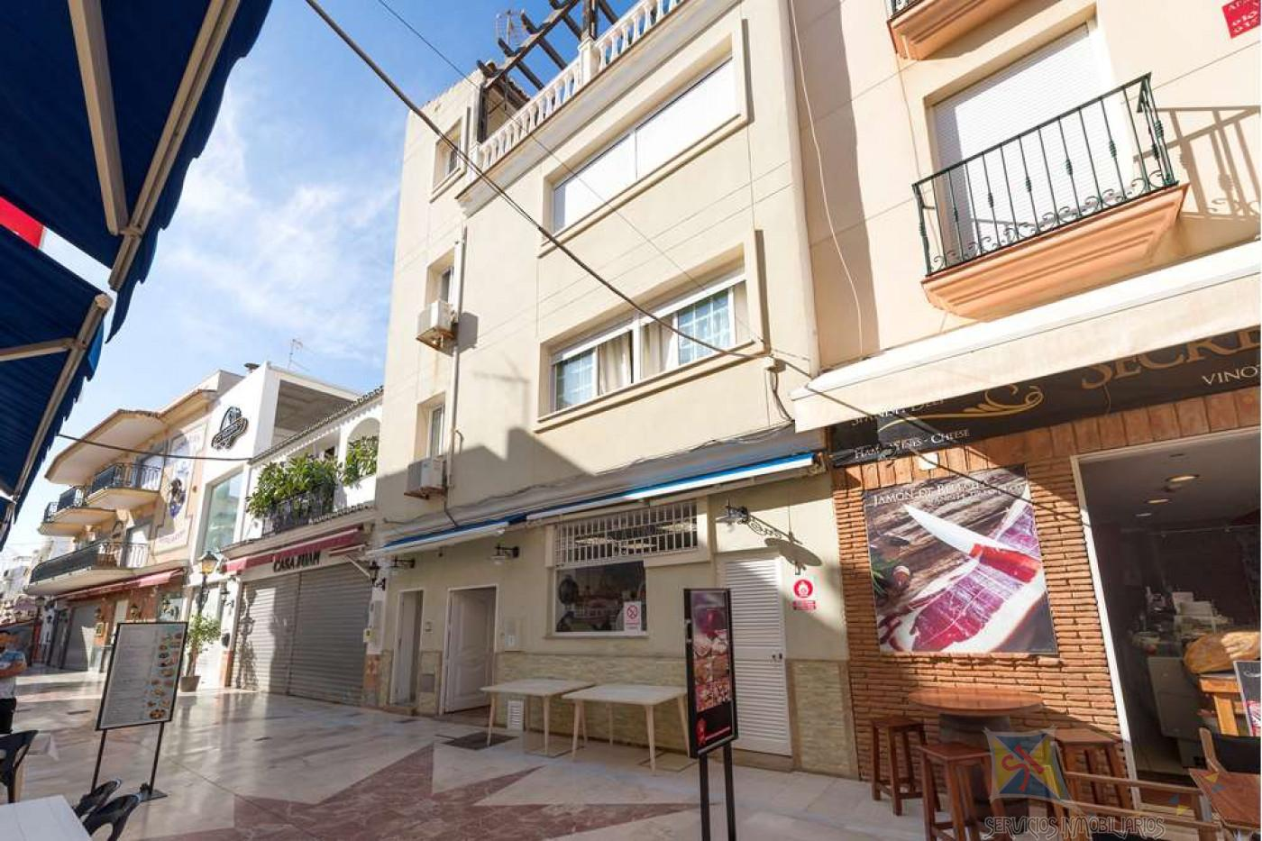 For sale of villa in Torremolinos