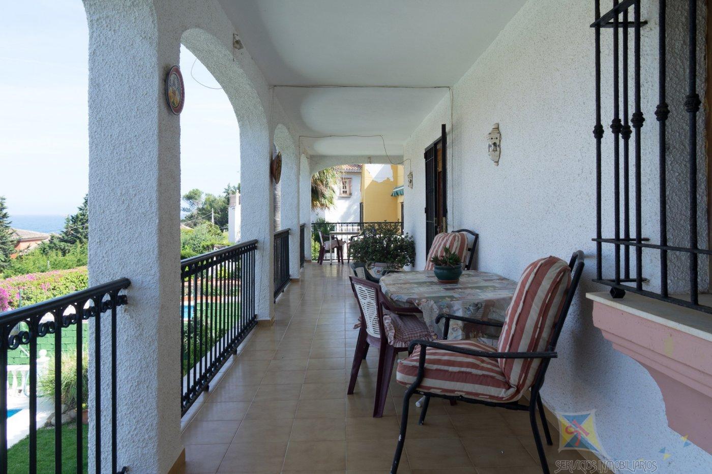 For sale of villa in Estepona