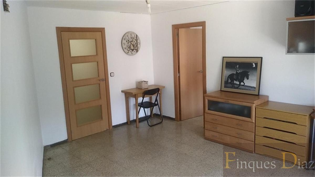 For sale of flat in Pineda de Mar