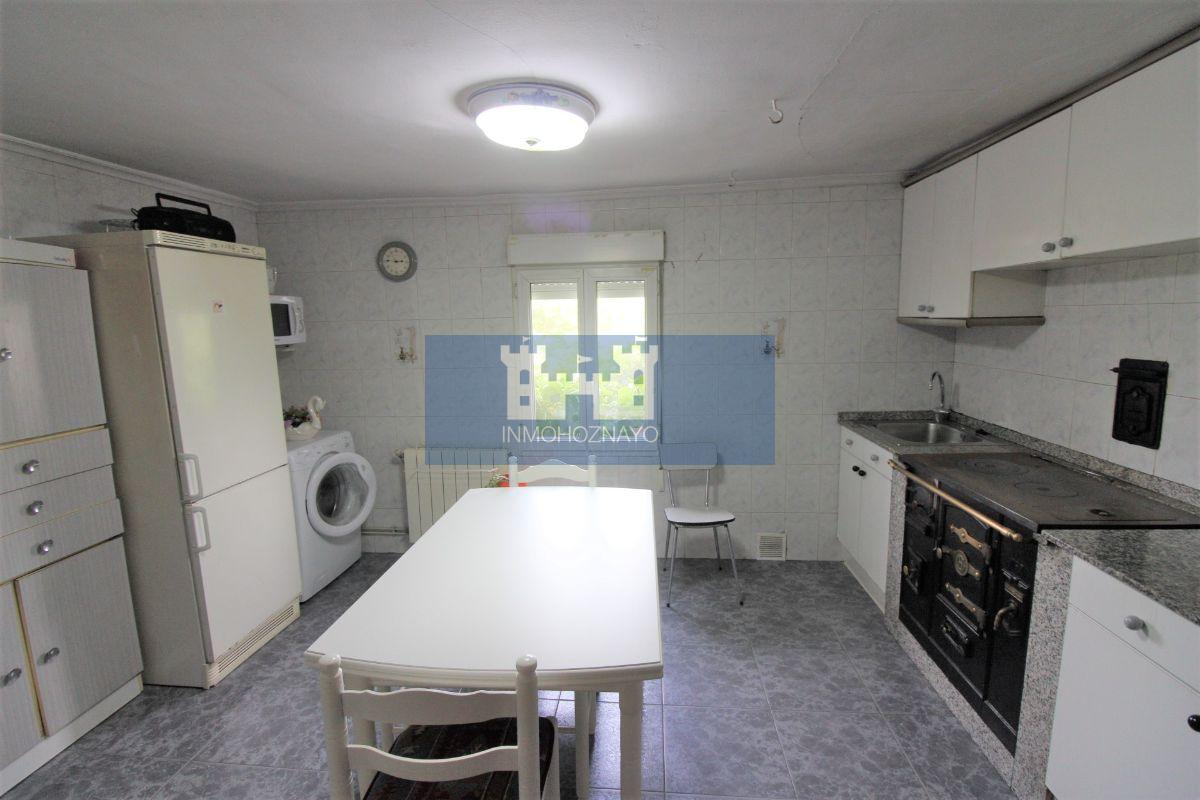 For sale of house in Entrambasaguas