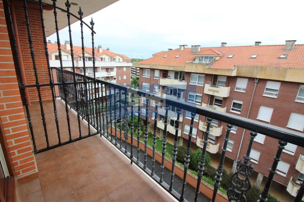 For sale of flat in Castro-Urdiales