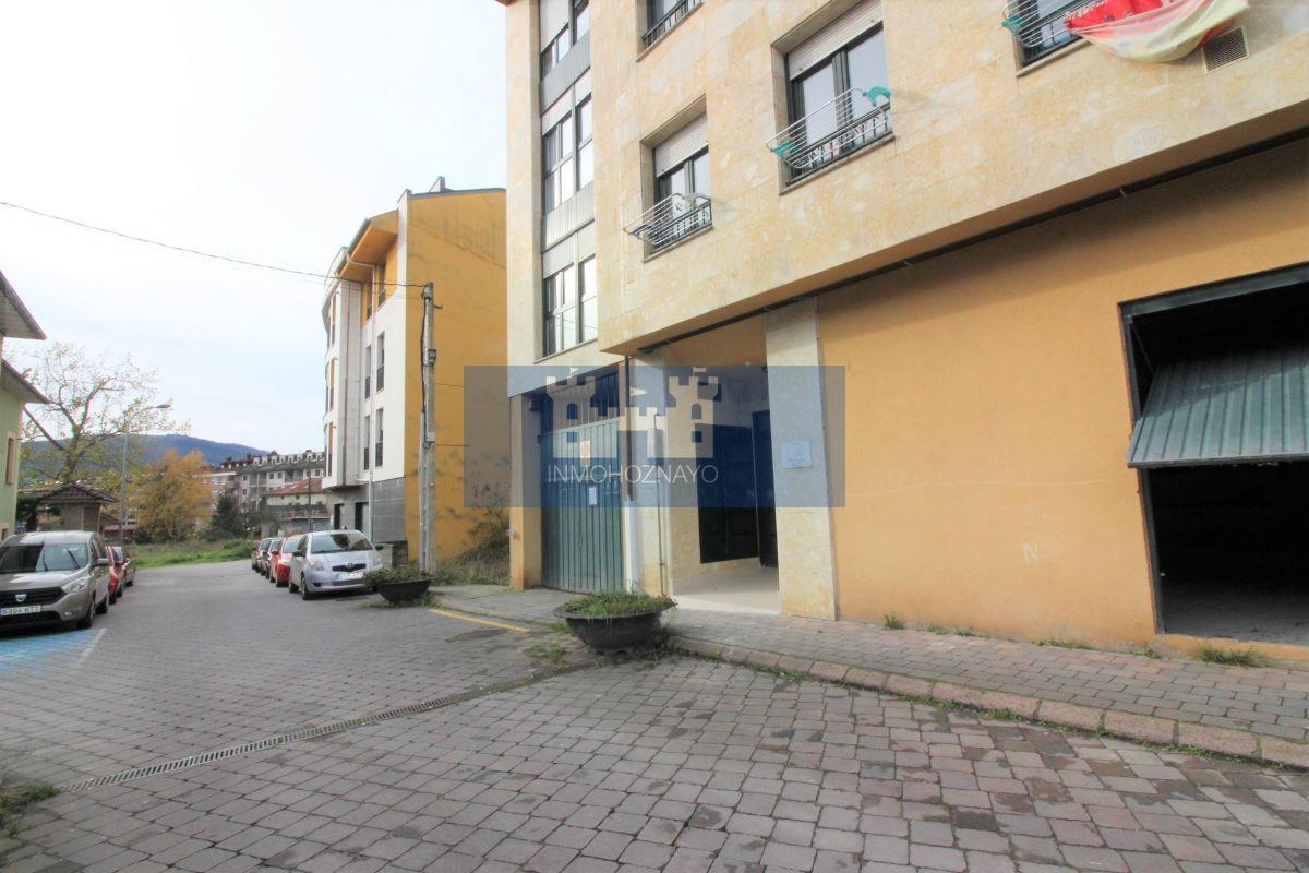 For sale of commercial in Santa María de Cayón