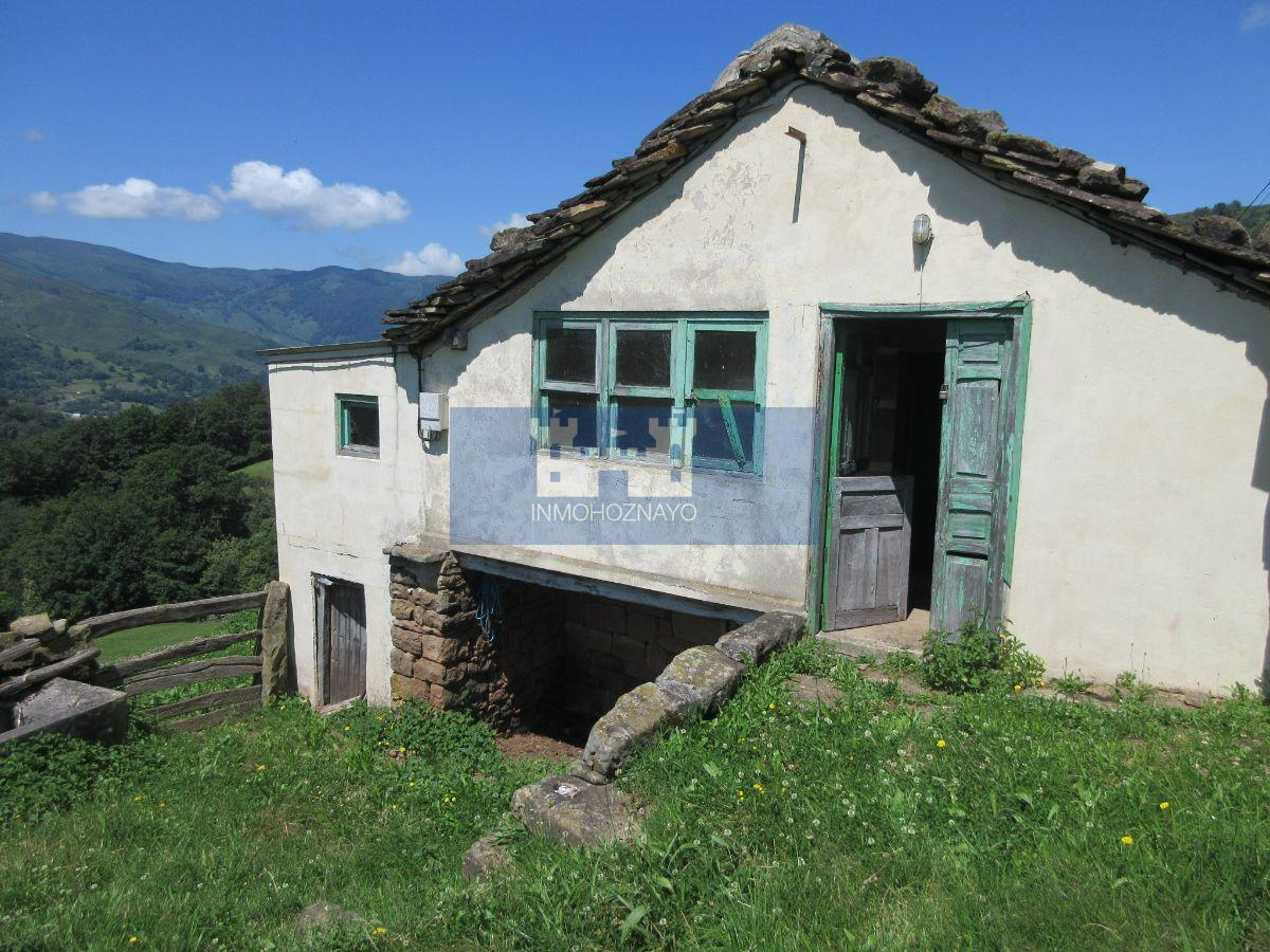 For sale of house in Luena