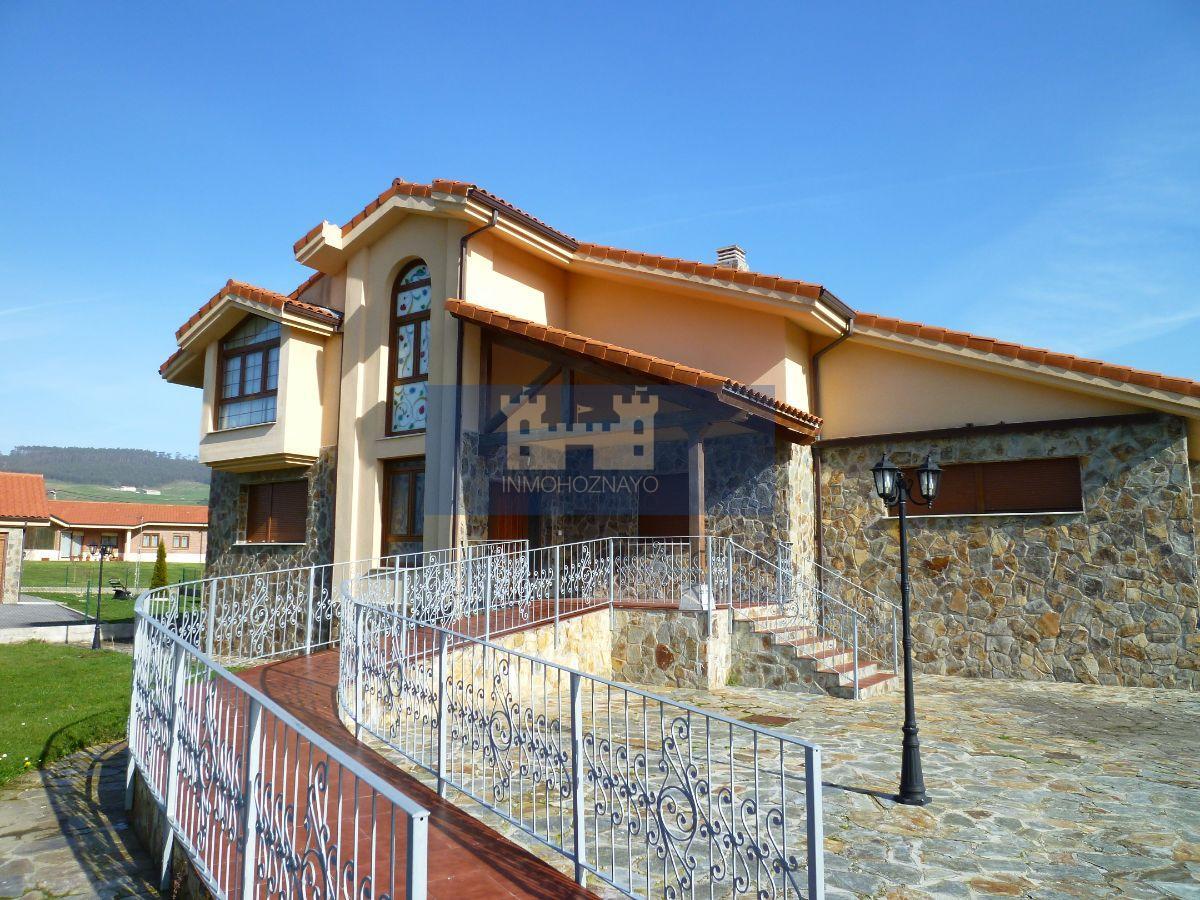 For sale of chalet in Meruelo