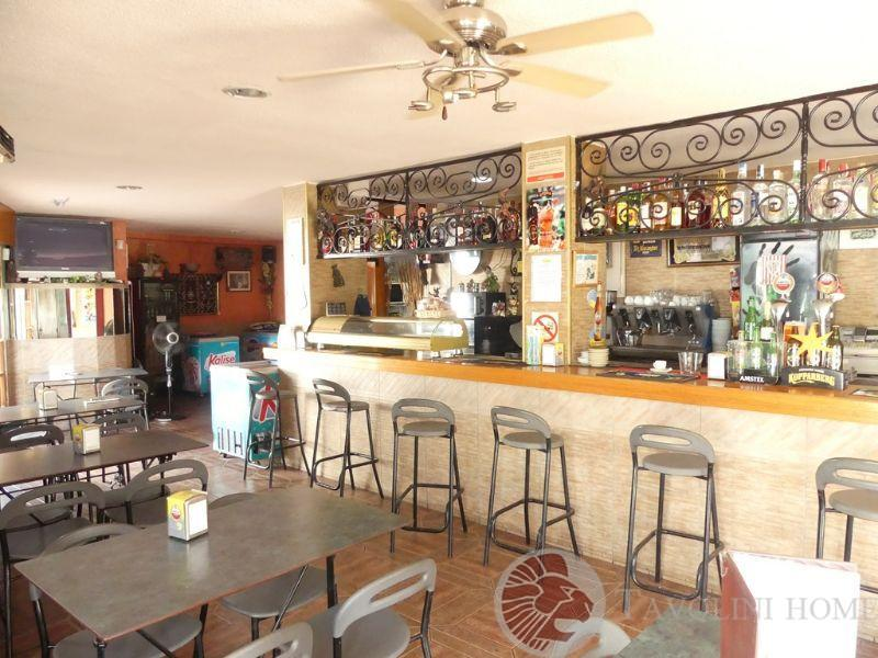 For sale of commercial in El Campello