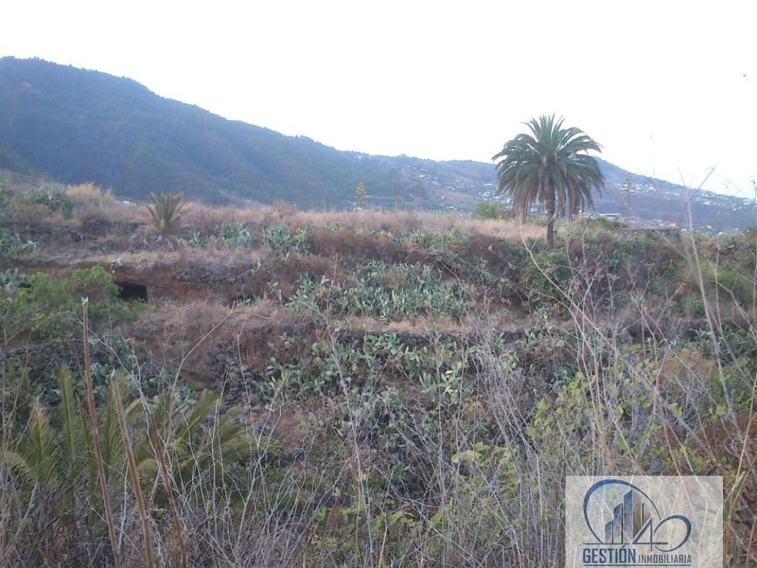 For sale of land in Breña Alta
