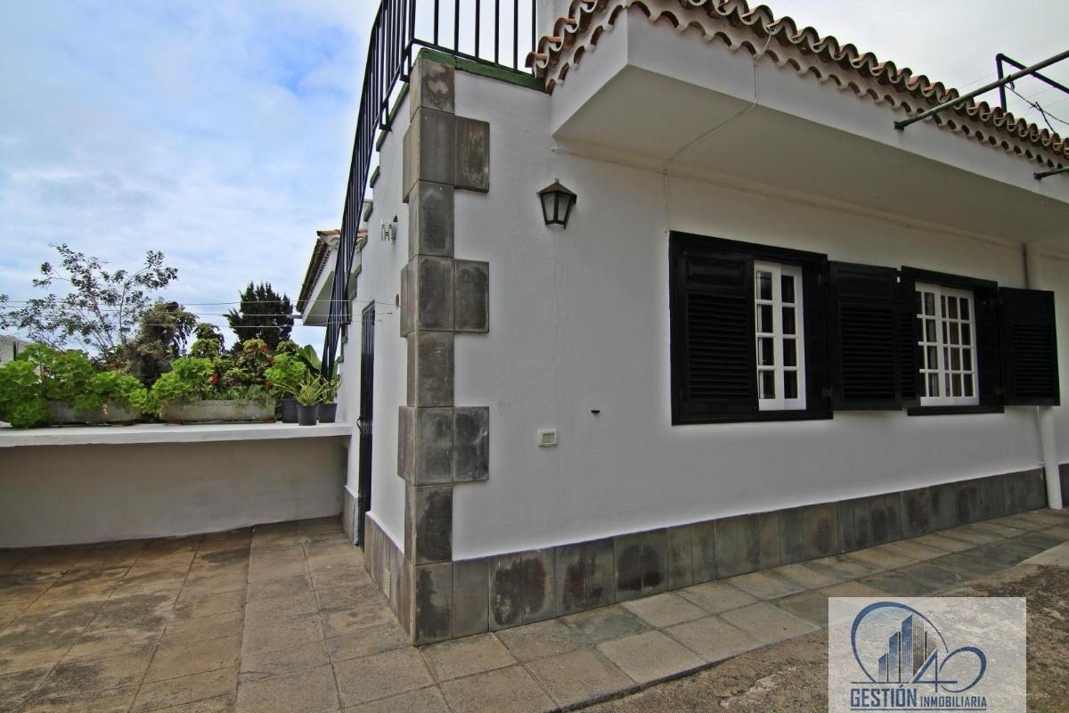 For sale of chalet in La Orotava