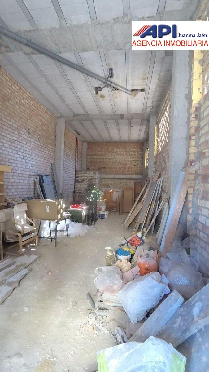 For sale of commercial in San Fernando