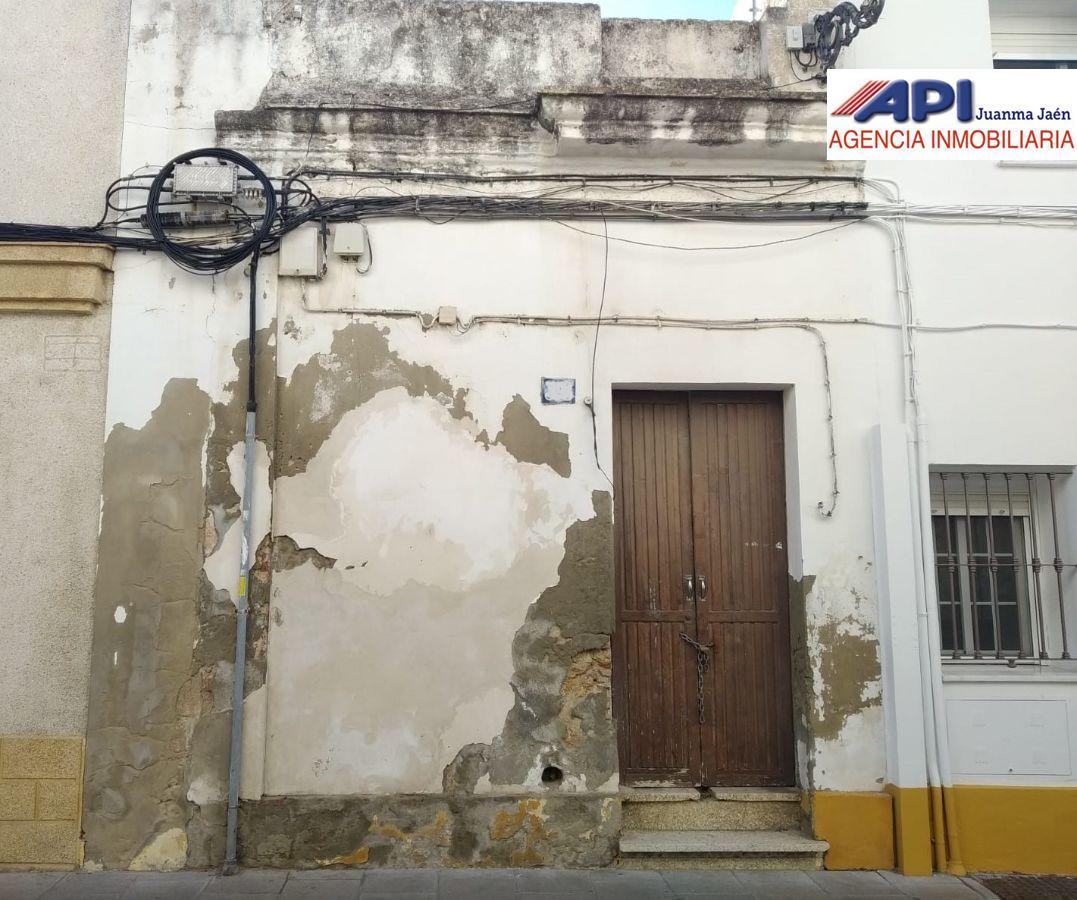 For sale of land in San Fernando
