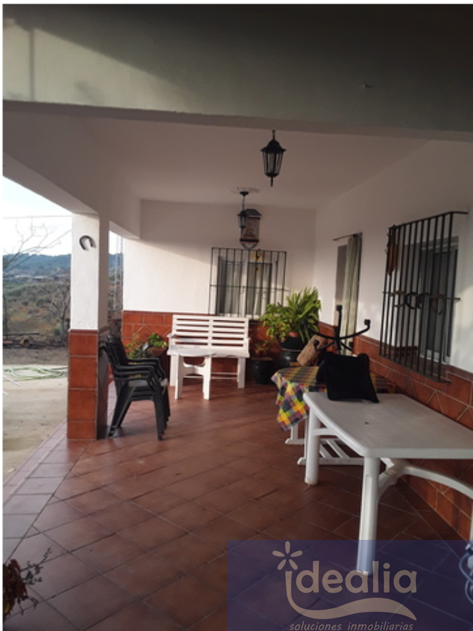 For sale of rural property in Lora del Río